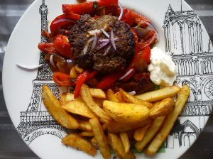 Steak frites - Serving suggestion