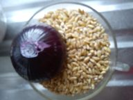Raw wheat and red onion